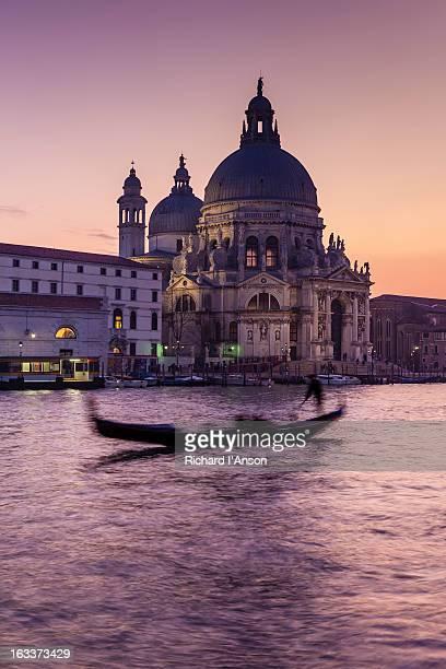 Grand Canal and Chiesa di Santa Maria delle Salute