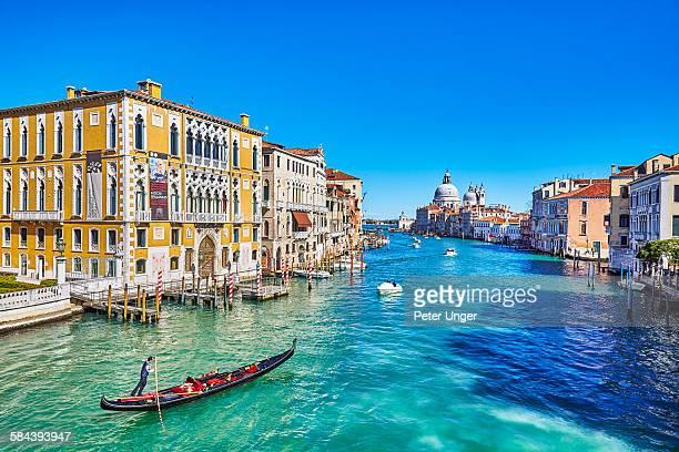 grand canal in venice, italy - canale grande venedig stock-fotos und bilder