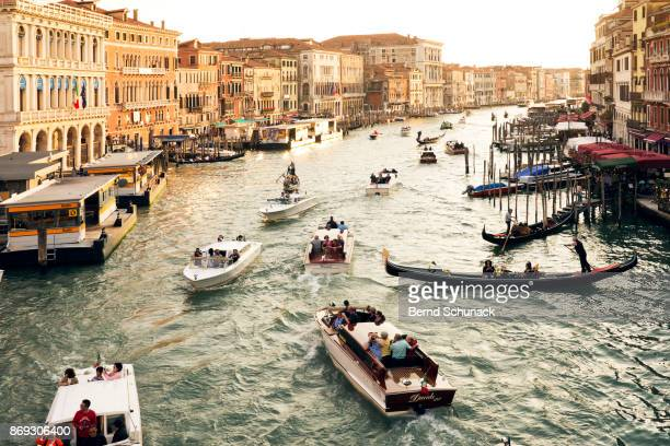 grand canal viewed from rialto bridge - bernd schunack stockfoto's en -beelden