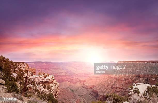 グランドキャニオン日没の光の中