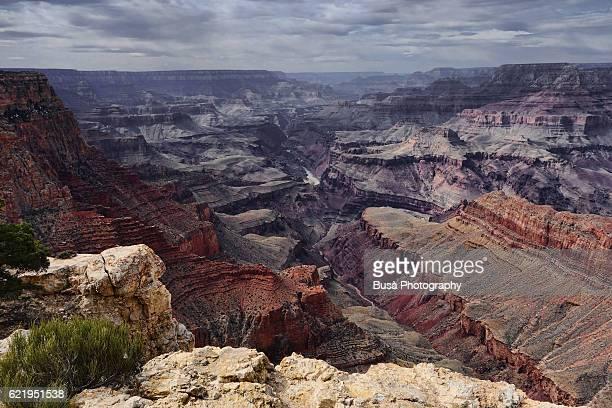 grand canyon national park, spectacular view of the colorado river. grand canyon village, arizona - mesa stock-fotos und bilder