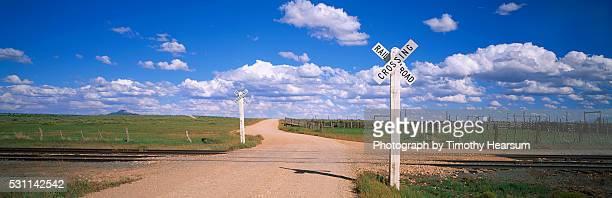grand canyon railroad crossing - timothy hearsum fotografías e imágenes de stock