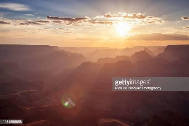 grand canyon - south rim - rayo de sol fotografías e imágenes de stock
