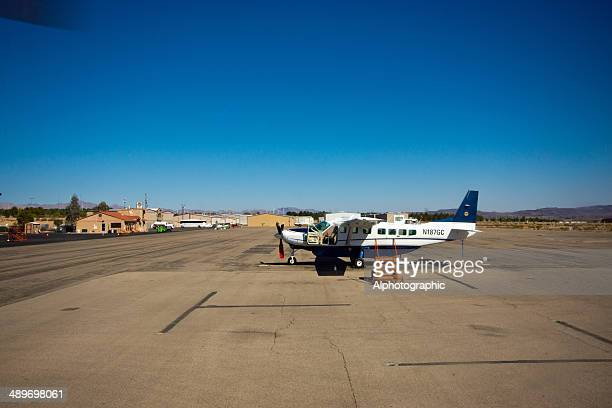 grand canyon tour plane - boulder city stock photos and pictures