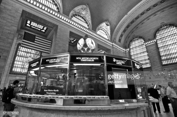Grand Central Terminal commuters in Main Concourse Hall, Manhattan, NYC