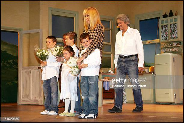 Justine Valentin Raphael and Michael Surprise birthday of Mireille Darc on the stage of the Marigny theater by Alain Delon at the end of the play...