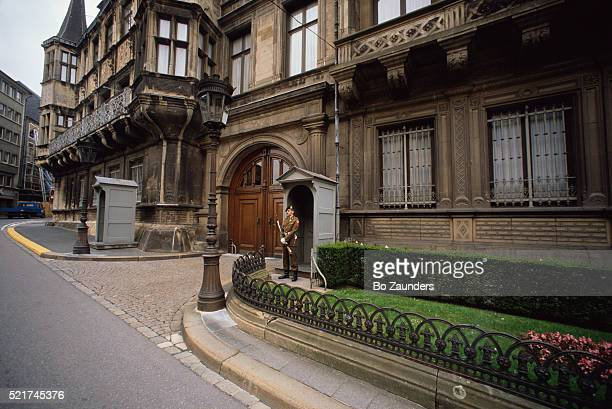 grand ducal palace in luxembourg city - ルクセンブルク大公宮殿 ストックフォトと画像