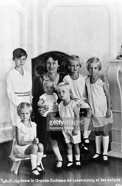 Grand- Duchess Charlotte of Luxembourg with her children Jean, Elisabeth, Marie Adelaide, Marie Gabrielle, Charles and Alix in August 1931 in...