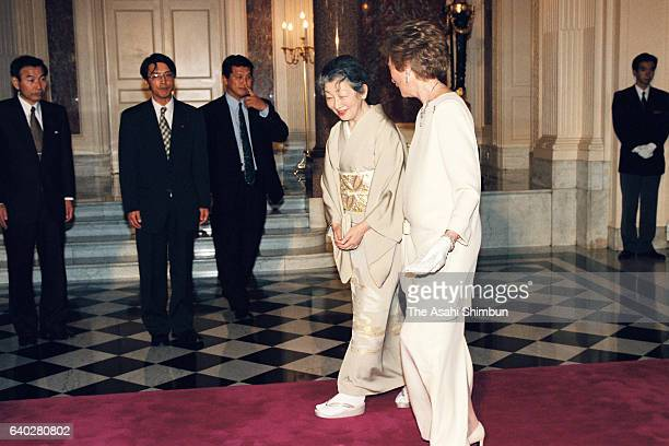 Grand Duchess Josephine Charlotte of Luxembourg welcomes Empress Michiko prior to a return reception at the Akasaka State Guest House on April 7 1999...