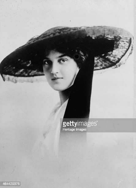 Grand Duchess Maria Pavlovna of Russia 1912 Maria Pavlovna was the daughter of Grand Duke Paul Alexandrovich and Alexandra Georgievna of Greece In...