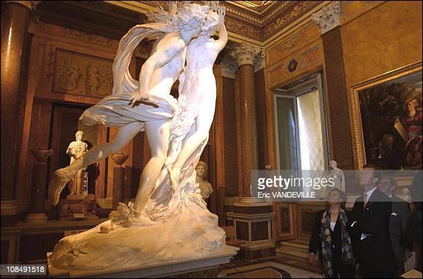 Grand Duke Henri at the Borghese Gallery with Bernini's Apollo e Dafne in Rome Italy on March 26th 2003