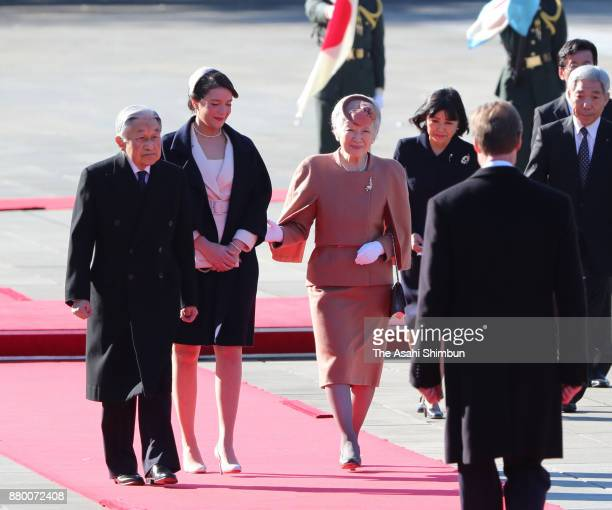 Grand Duke Henri of Luxembourg and his daughter Princess Alexandra of Luxembourg attend the welcome ceremony with Emperor Akihito and Empress Michiko...