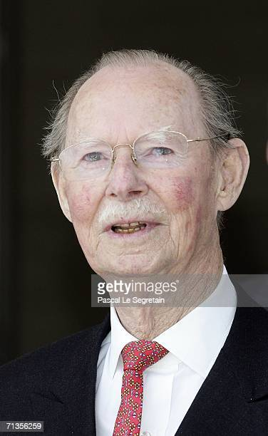 Grand Duke Jean of Luxembourg poses as he arrives to attend the inauguration of the Grand Duke Jean Modern Art Museum on July 1 2006 in Luxembourg as...