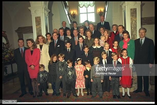 Grand Duke Jean with his family for a group photograph on his 75th birthday