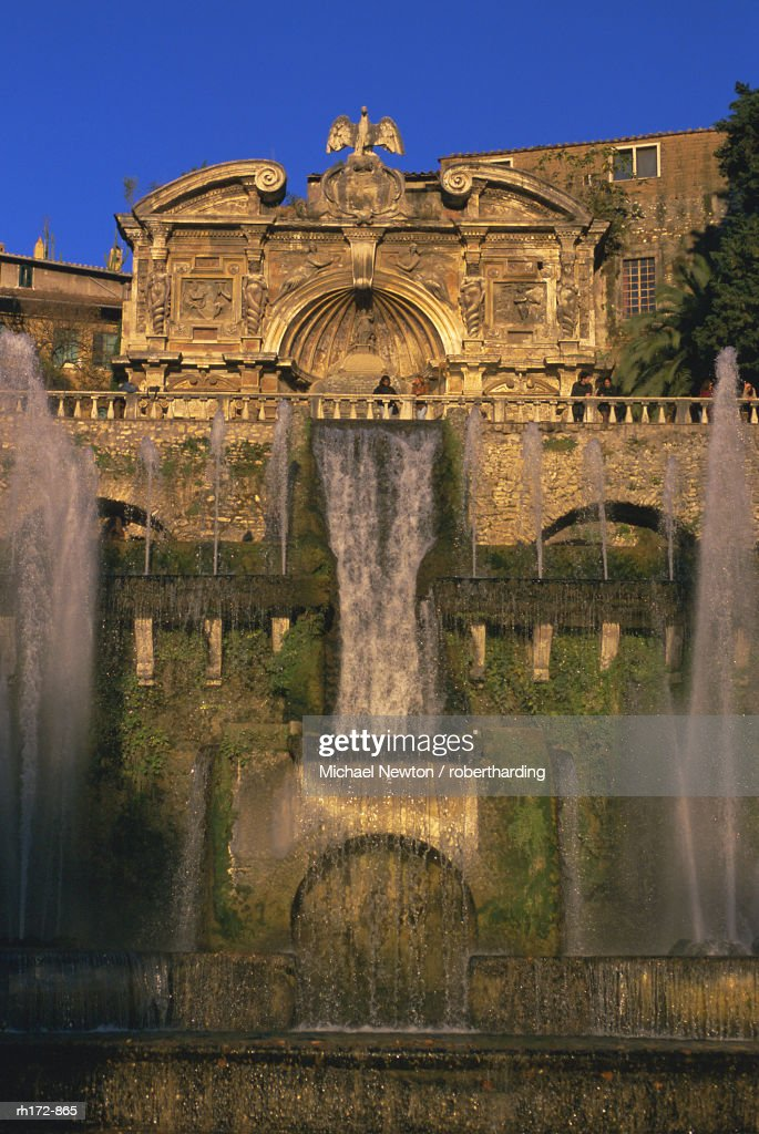 Grand fountain in the gardens of the Villa dEste, UNESCO World Heritage Site, Tivoli, Lazio, Italy, Europe : Foto de stock