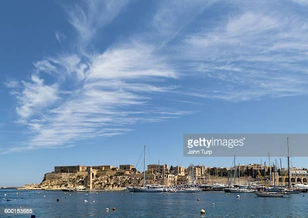 Grand Harbour Malta, feather cloud
