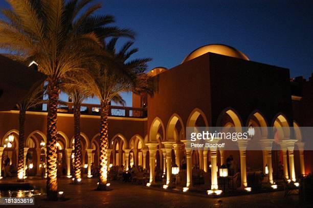 Grand Makadi , Makadi Beach bei Hurghada, Ägypten, Afrika, , Palmen, Säule, Säulen, Bar, Dämmerung, Nacht, Beleuchtung, orientalisch, Luxus,...