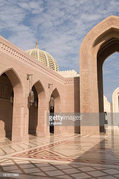 grand mosque in muscat - sultan qaboos mosque stock pictures, royalty-free photos & images