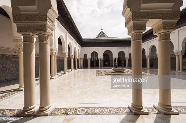 grand mosque of paris - mosquée photos et images de collection