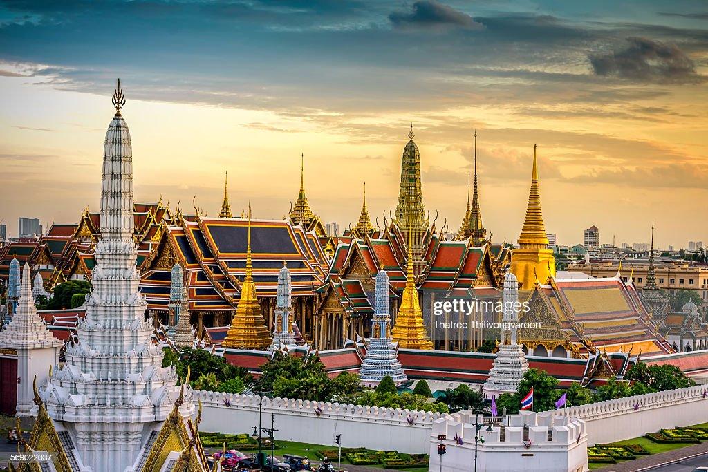 Grand palace and Wat phra keaw at sunset : Stock Photo
