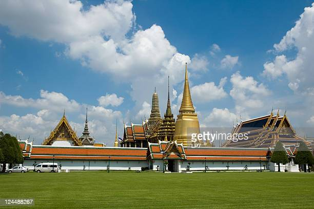 grand palace bangkok thailand - grand palace - bangkok stock pictures, royalty-free photos & images