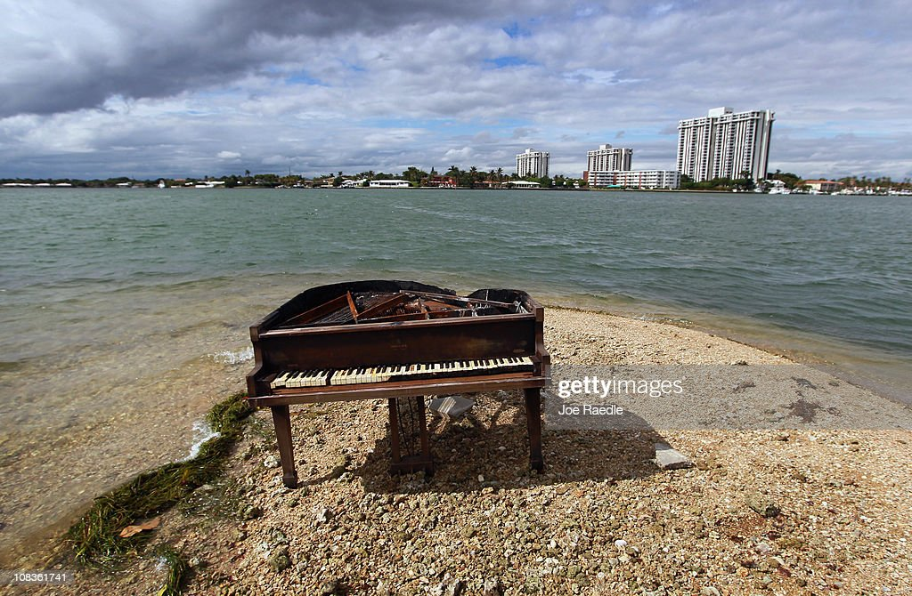 Mysterious Piano Appears In Middle of Biscayne Bay : News Photo