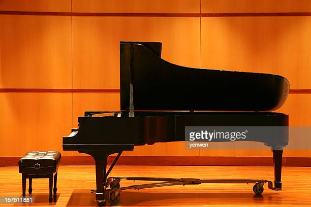 grand piano - grand piano stock pictures, royalty-free photos & images