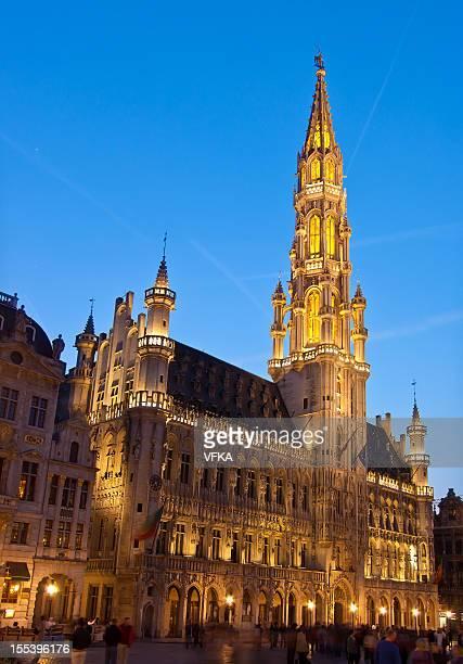グランプラス&市庁舎,ブリュッセル,ベルギー - グランプラス ストックフォトと画像