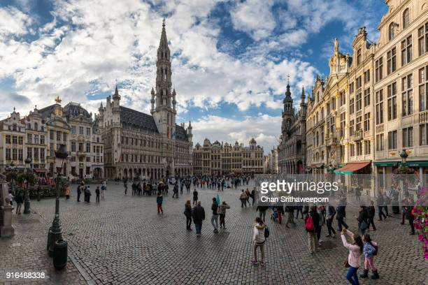 grand place and town hall, brussels, belgium - グランパレ ストックフォトと画像