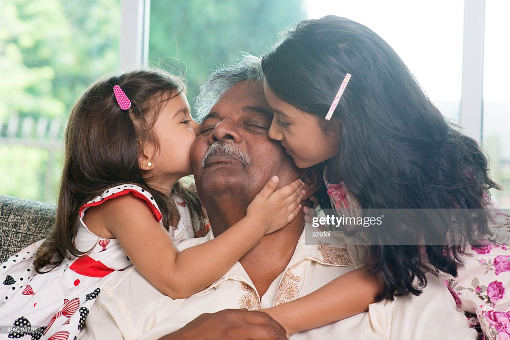 src=https://media.gettyimages.com/photos/grandchildren kissing grandparent picture id499204781?b=1&k=6&m=499204781&s=612x612&w=0&h=nkCNOt849wzGnw4jEm3kklmN9lflK3 zZu7AWw7kqxA= Kerana api cemburu ibu tiri, budak 9 tahun ini mati dirogol beramai ramai!