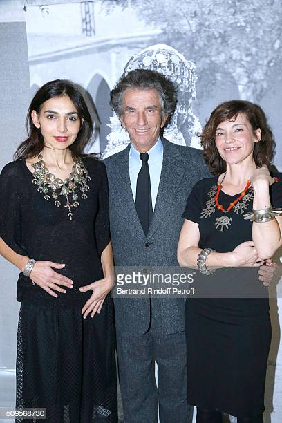 Granddaughter of Django Reinhardt Pianist Charlotte Reinhardt wearing jewelry of the collection President of the Institut du Monde Arabe Jack Lang...