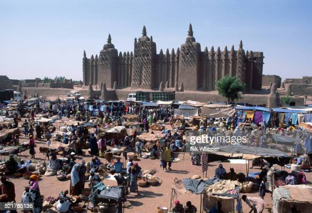 Grande Mosquee and Market in Djenne