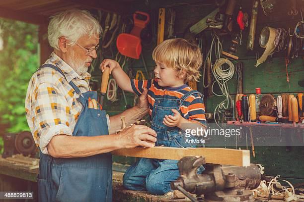 おじいちゃんと孫息子のワークショップ