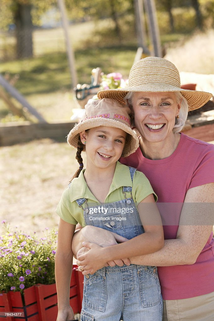 Grandmother and granddaughter outdoor : Stockfoto
