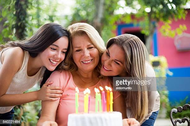 Großmutter Ihren Geburtstag feiern