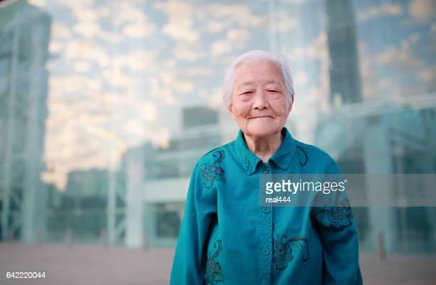 grootmoeder - chinese cultuur stockfoto's en -beelden