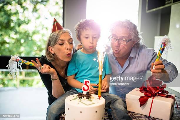Abuelos fiesta de cumpleaños tiempo