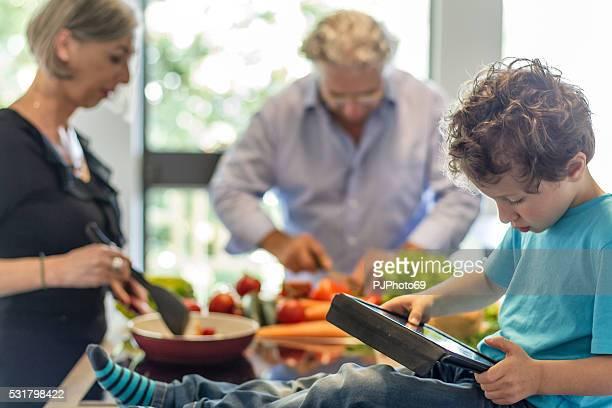 grandparents with their nephew - pjphoto69 stockfoto's en -beelden