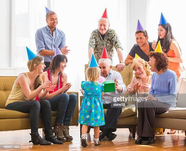 La celebración de cumpleaños Grandpa