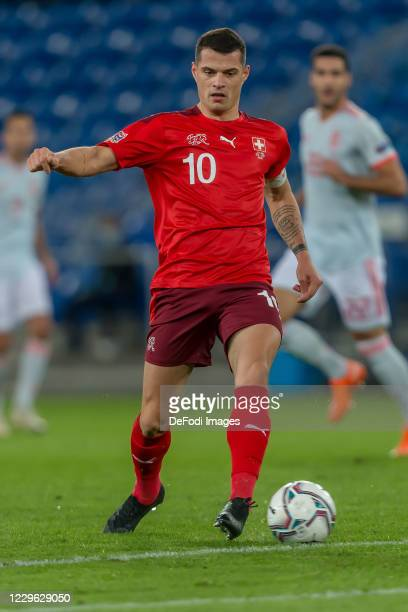 Granit Xhaka of Switzerland controls the Ball during the UEFA Nations League group stage match between Switzerland and Spain at St. Jakob-Park on...