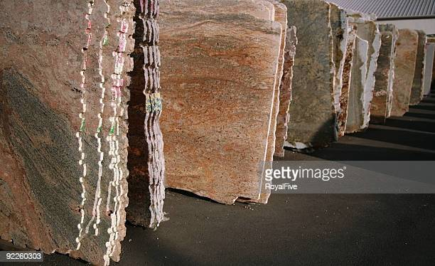 granite slabs - fabricage apparatuur stock pictures, royalty-free photos & images