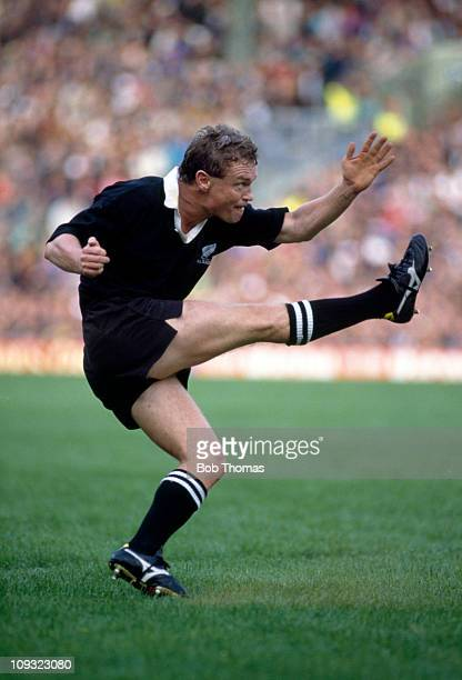 Grant Fox of New Zealand in action against England during the Rugby Union World Cup match held at Twickenham London on 3rd October 1991 New Zealand...