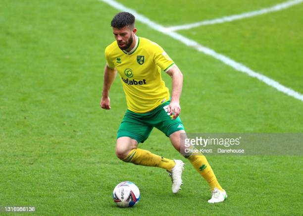 Grant Hanley of Norwich City controls the ball during the Sky Bet Championship match between Barnsley and Norwich City at Oakwell Stadium on May 08,...