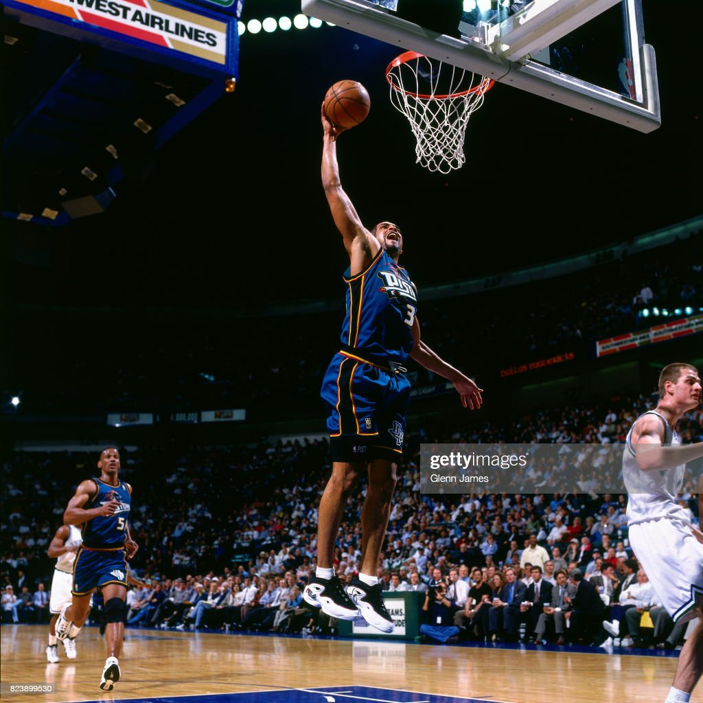 Detroit Pistons v Dallas Mavericks : News Photo