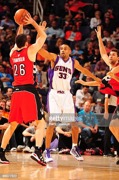 Grant Hill of the Phoenix Suns guards Hedo Turkoglu of the Toronto Raptors in an NBA Game played on November 15 2009 at US Airways Center in Phoenix...