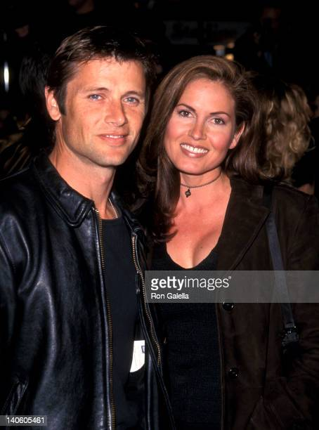 Grant Show and Lisa Guerrero at the Premiere of 'Never Been Kissed', Mann's Chinese Theatre, Hollywood.