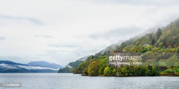 grant tower urquhart castle loch ness - drumnadrochit stock pictures, royalty-free photos & images