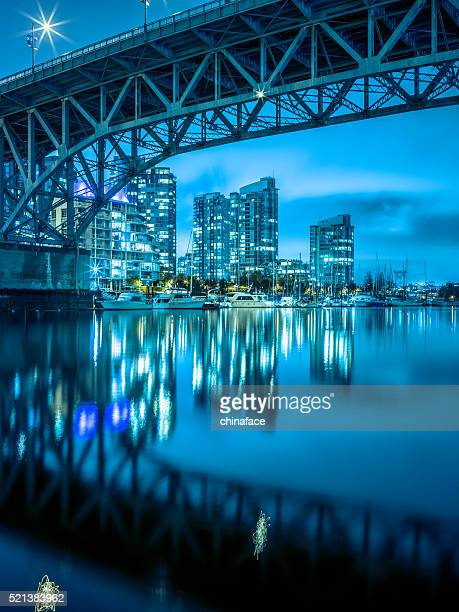 Granville Brücke bei Nacht
