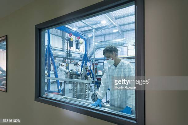 Graphene nanomaterial manufacturing environment in graphene processing factory