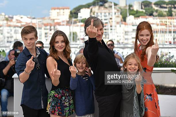 Graphic content / Australian actor Nicholas Hamilton US actress Samantha Isler US actor Charlie Shotwell US actor Viggo Mortensen US actress Shree...